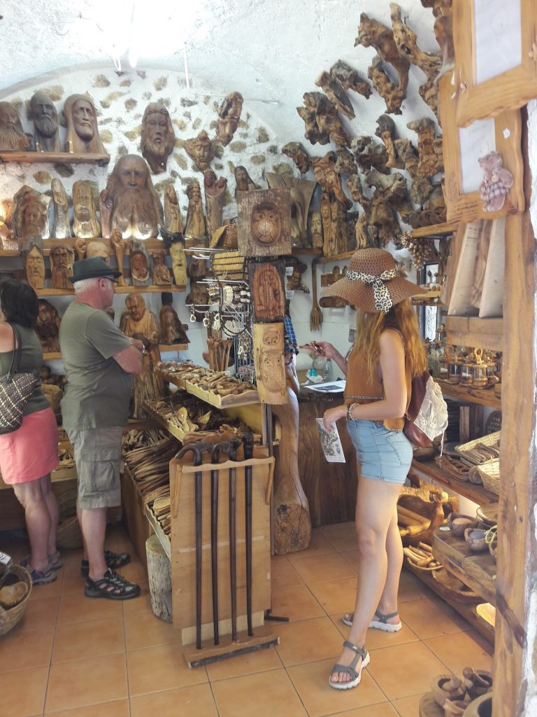 Eze wood shop